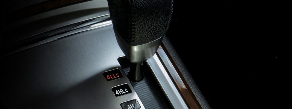 Mitsubishi Pajero 2016 (8)