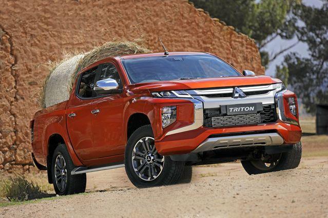 So sánh ford ranger 2018 và Mitsubishi Triton 2019