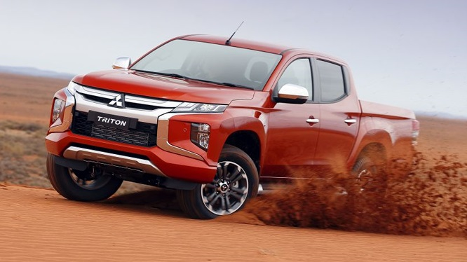 so-huu-mitsubishi-triton-2019-do-gi-cho-xe