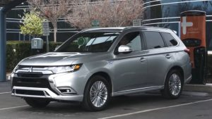 review-so-bo-dong-xe-mitsubishi-outlander-2020