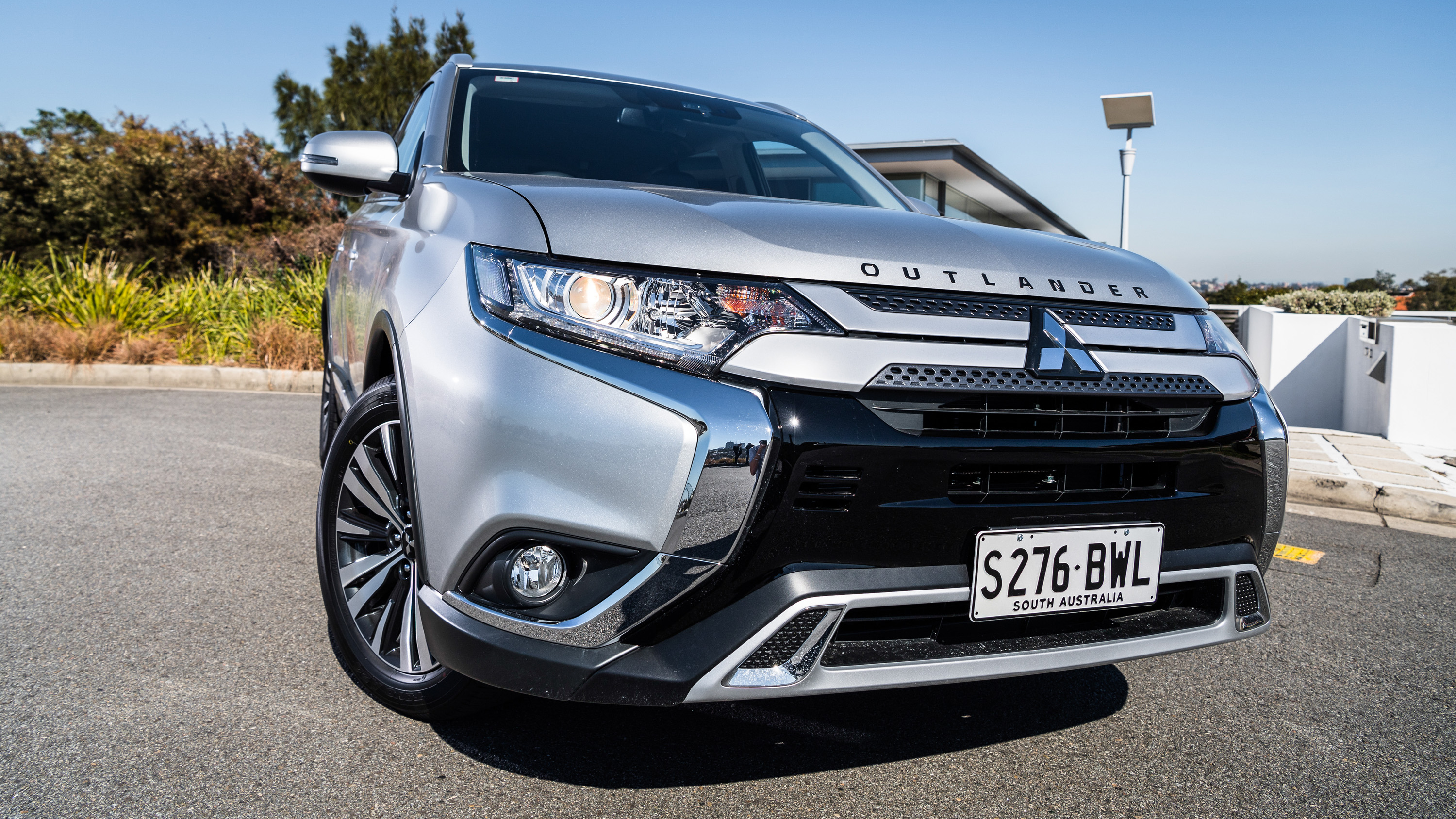 mitsubishi-outlander-2020-co-gi-khac-biet-so-voi-cac-doi-thu