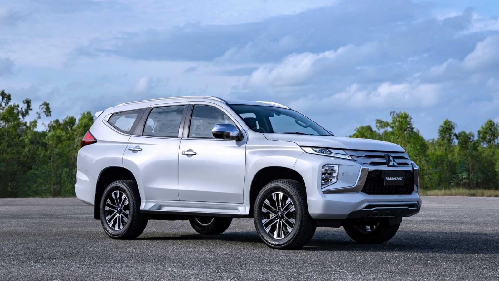 Mitsubishi-Pajero-Sport-2020
