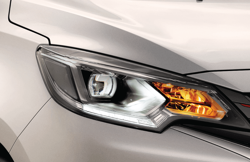Mitsubishi-Attrage-2020-den-chieu-sang-phia-truoc-BiLED