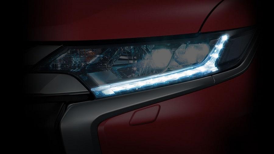 Mitsubishi-Outlander-2020-den-led-chieu-sang-ban-ngay