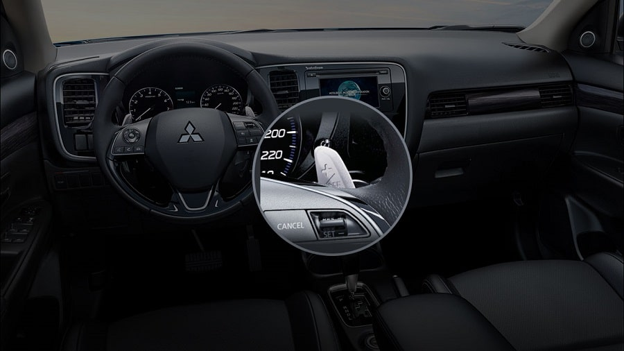 Mitsubishi-Outlander-2020-lay-sang-so-tren-vo-lang