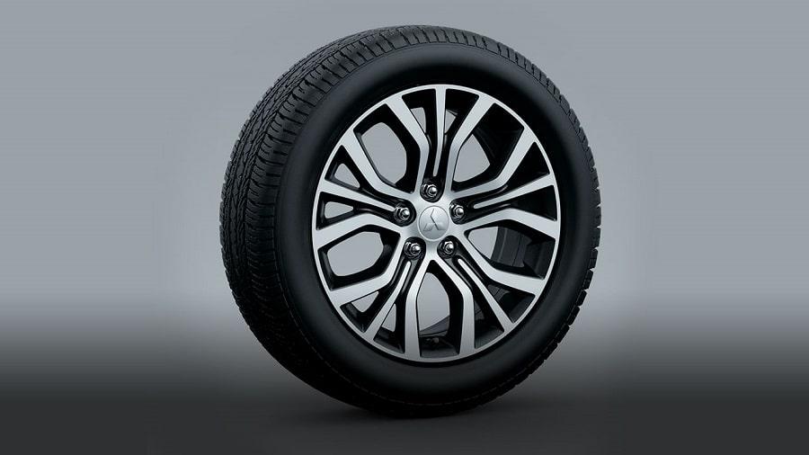 Mitsubishi-Outlander-2020-mam-duc