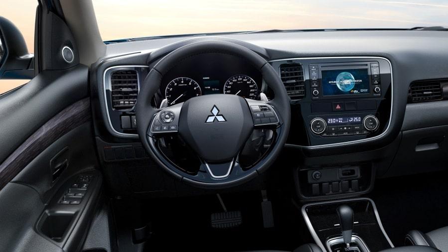 Mitsubishi-Outlander-2020-vo-lang