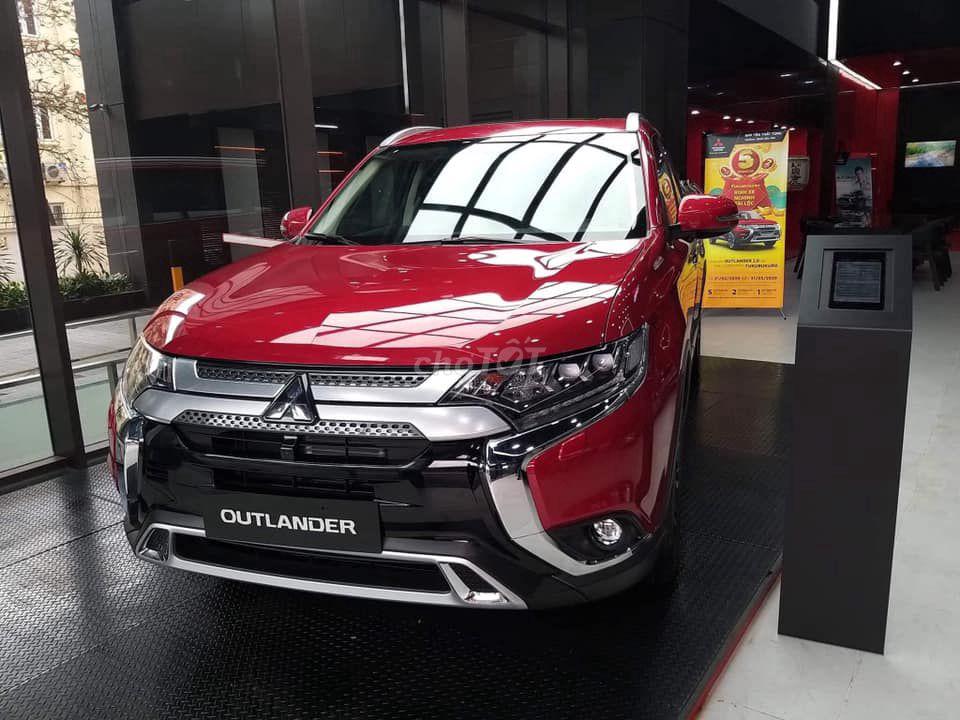 Mitsubishi_Outlander_2020